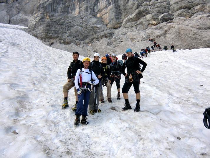 Klettersteig Höllental : Durchs höllental auf die zugspitze dav sektion weiden
